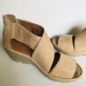Clarks Platform Buff Sandals